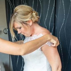 essayage de robe sur-mesure
