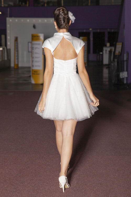 dos-robe-courte-tulle-perle-mariage-isere